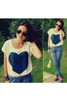 Sheinside t-shirt - Cubus sunglasses - Novamoda pants