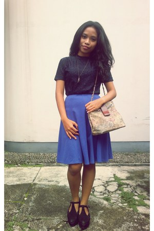 second hand skirt - Sagaye shoes - second hand bag - second hand blouse