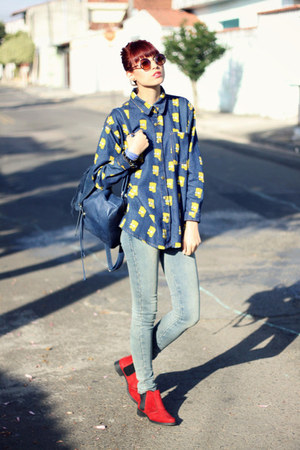 blue denim indressme shirt - eggshell jeans - red heels