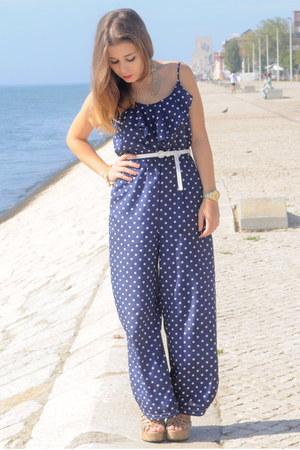 beige H&M sandals - polka dots Forever 21 jumper - white Forever 21 belt