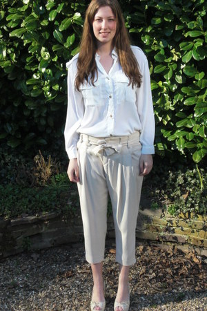 white H&M blouse - off white Inwear pants - off white Friss & co wedges