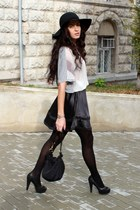 black H&M hat - black Sisley bag - silver Vero Moda blouse