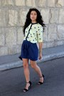 Navy-vintage-bag-yellow-stradivarius-blouse-black-zara-heels
