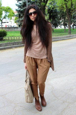 Bershka boots - Bershka pants - Reporter t-shirt - Bershka cardigan