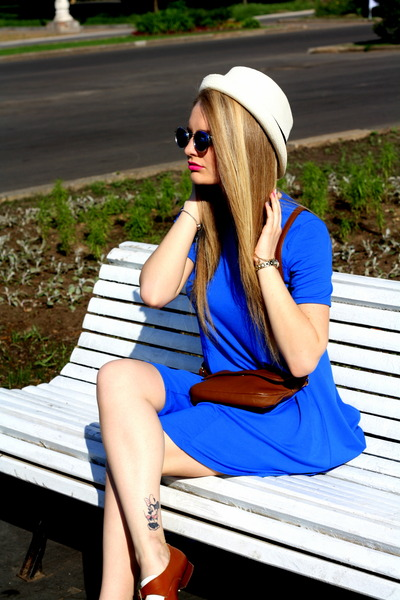 blue Zara dress - tawny Topshop shoes - tawny Accessorize bag