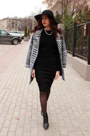 Mango boots - Zara jacket - Pnk Casual skirt