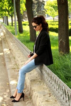 Zara jeans - black Mango jacket - Stradivarius heels - H&M t-shirt