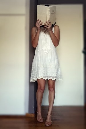 white lace Pull & Bear dress - nude t-bar Zara sandals