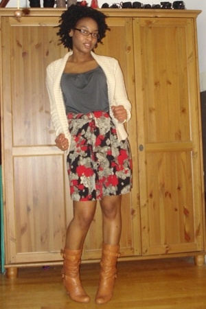 sweater - shirt - thrifted skirt - Steve Madden shoes