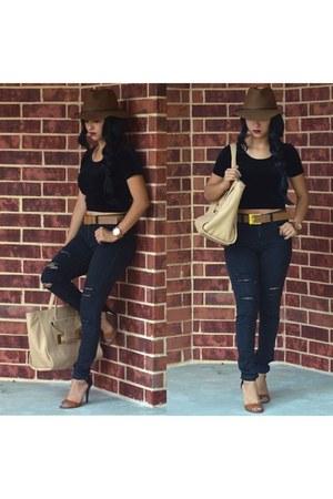 black American Eagle jeans - Target hat