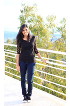 dots Zara top - dark wash American Eagle jeans