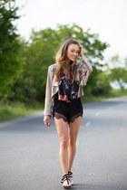 romwe shorts - Roberta Biagi jacket - romwe top - romwe sandals