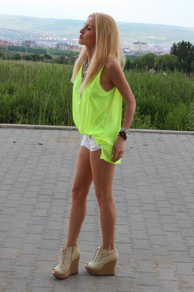 H&M t-shirt - Aldo boots - Bershka shorts