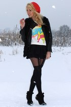 Primark tights - Zara boots - H&M hat - Zara jacket - Primark blouse - H&M skirt
