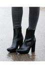 Black-pointy-heels-zara-boots-navy-pinstripe-mango-coat