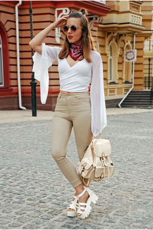 nude skinny jeans pull&bear jeans - neutral backpack Rosegal bag