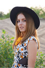 Orange-daisy-print-chicwish-dress-navy-felt-fedora-accessorize-hat