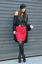 red westrags skirt - black Zara shoes - black H&M hat