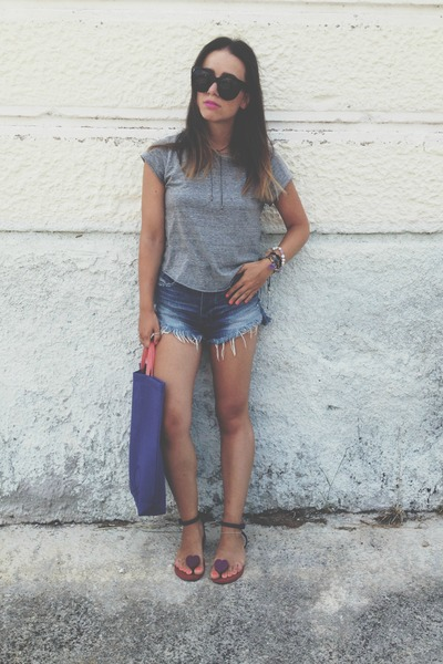 purple united colors of benetton bag - blue abercrombie and fitch shorts