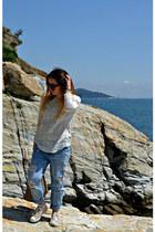 blue Zara jeans - brown Gucci bag - black Celine sunglasses - off white H&M top