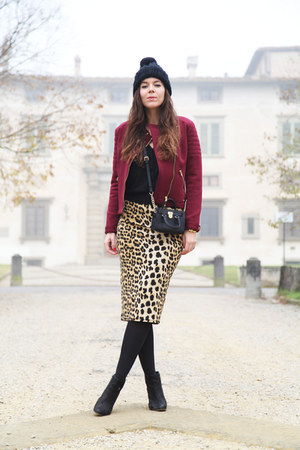 gold Gaudi skirt - black sarenza shoes - black H&M hat - brick red Gaudi jacket