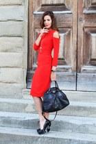 red compagnia italiana dress - black Prada bag - black Miu Miu heels