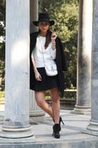 black Panizza hat - white Motivi shirt - white Motivi bag