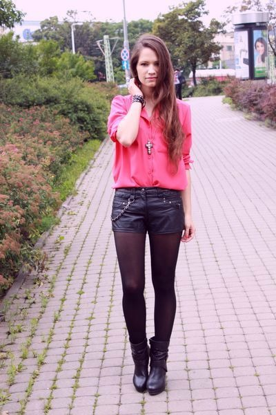 black boots - salmon shirt - black shorts
