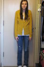 Gold-target-cardigan-blue-levis-jeans-white-arizona-t-shirt-white-payless-