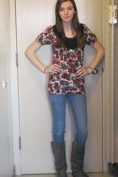 red Charlotte Russe top - blue Forever 21 jeans - gray Charlotte Russe boots