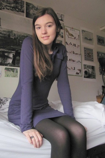 Black pantyhose and black boots opinion you