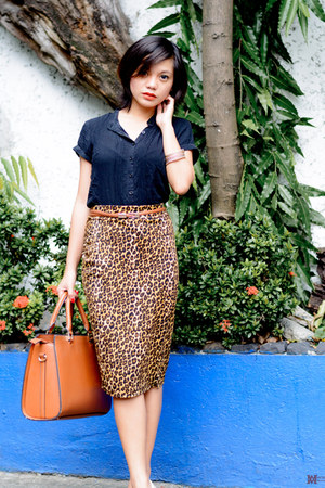 burnt orange Princesa Clothing skirt - black blouse