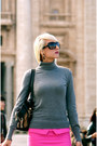 Charcoal-gray-turtleneck-h-m-sweater-tan-manor-bag-burberry-purse-black-dior
