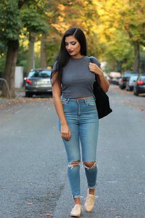how to buy high waisted jeans