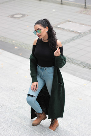 forest green sammydress cardigan - bronze chunky boots Sommerkind boots