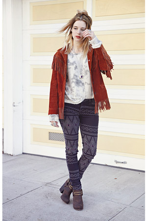 ruby red jacket - blue Levis jeans