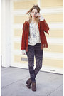 Blue-levis-jeans-ruby-red-jacket