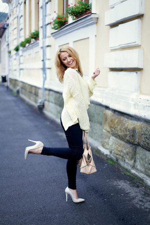 light yellow icecream yellow pull&bear sweater - nude studded Zara bag