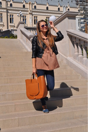 bronze Zara bag - navy Zara jeans - crimson H&M jacket - tawny shirt
