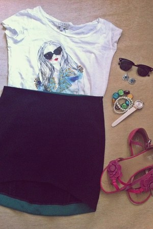 white random brand earrings - black Ray Ban sunglasses - white Zara t-shirt