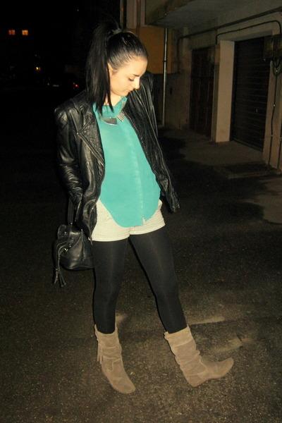 black striped Atmosphere shorts - black leather kenvelo jacket