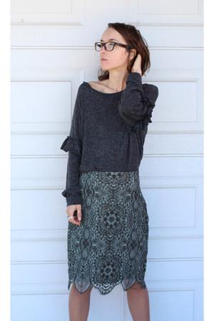 forest green Zara skirt - gray Zara top - Tamaris heels