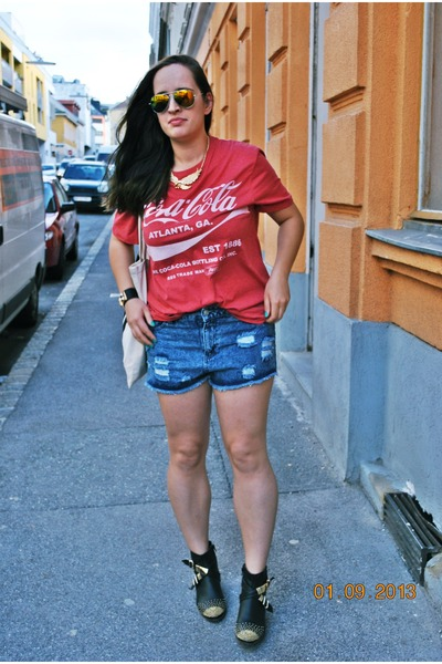She Inside bracelet - Primark boots - Coca Cola for F&F shirt - Primark shorts