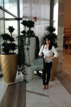off white Bershka blouse - navy Bershka jeans - navy Parfois bag