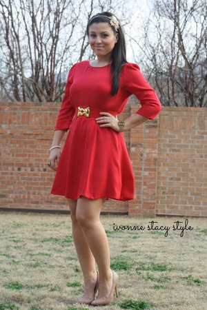 red The Stylish closet dress - nude Steve Madden heels - red Forever 21 belt