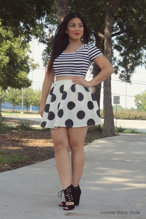 black windsor skirt - white crop top Forever 21 top