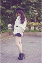 White-vintage-shirt