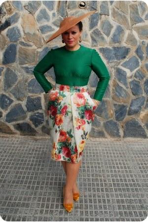 tawny EVA ALBERO hat - hot pink IWANTTOBEAVOGUETTE skirt