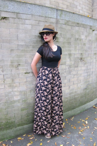 tan Aritzia hat - black brandy mellville top - brandy mellville pants