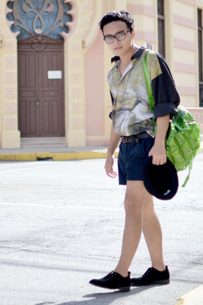 vintage shirt - Nasty Gal shoes - Bershka hat - vintage bag - Zara shorts